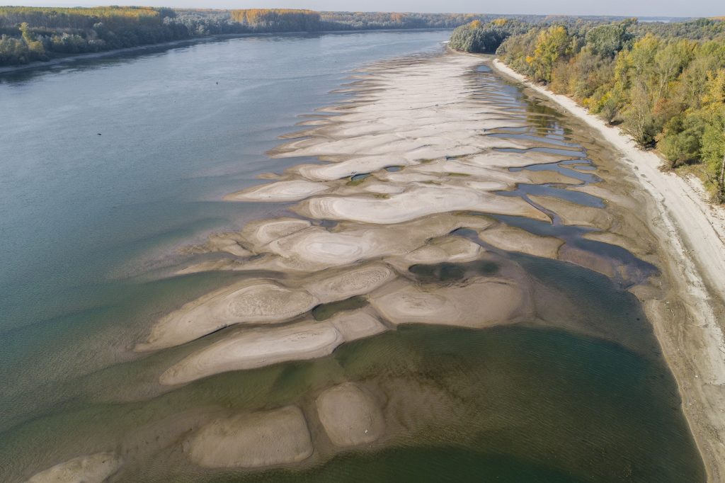Danube Level at Record Low Again post's picture