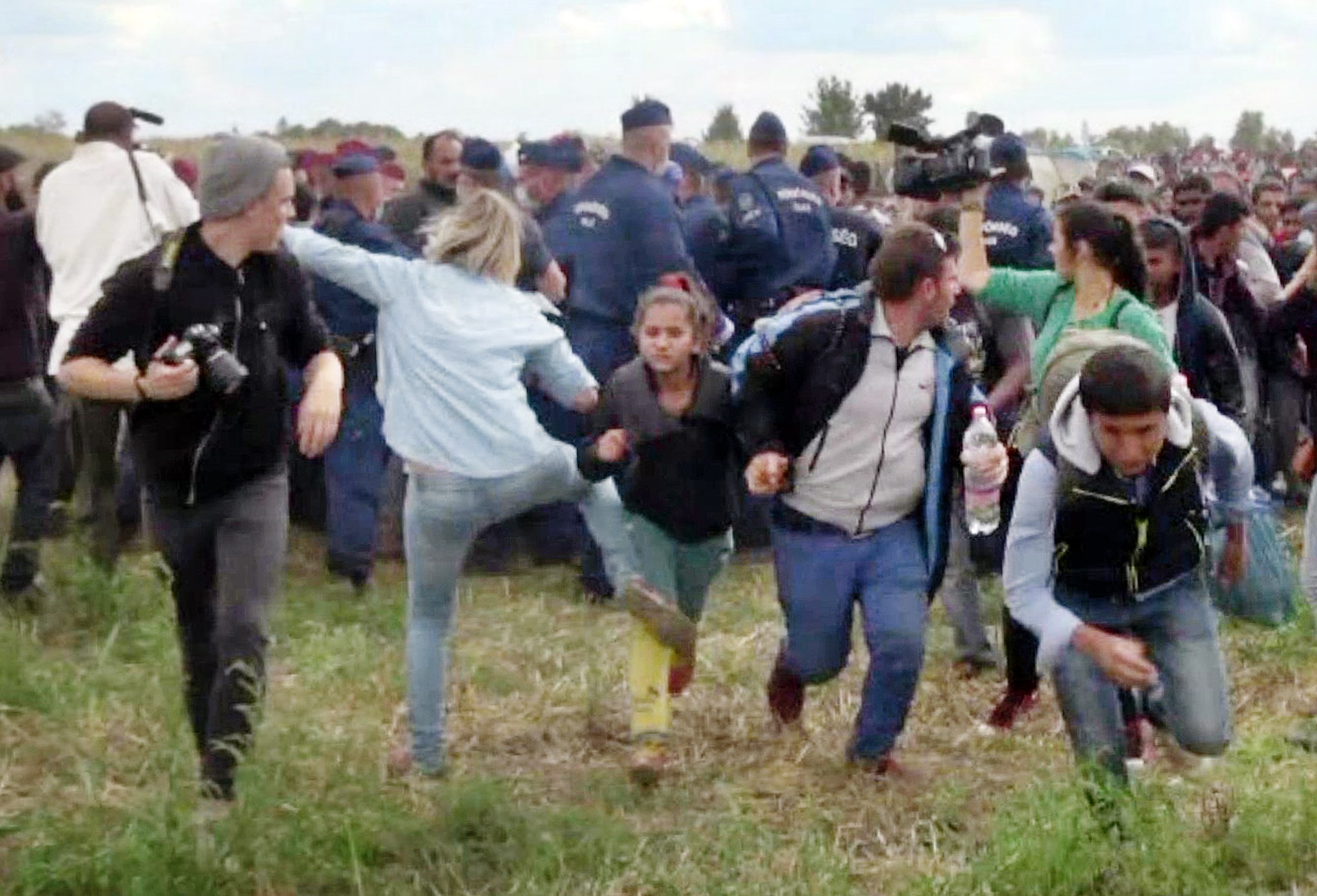 Top Court Clears Camerawoman who Kicked Migrants of Disorderly Conduct Charges post's picture