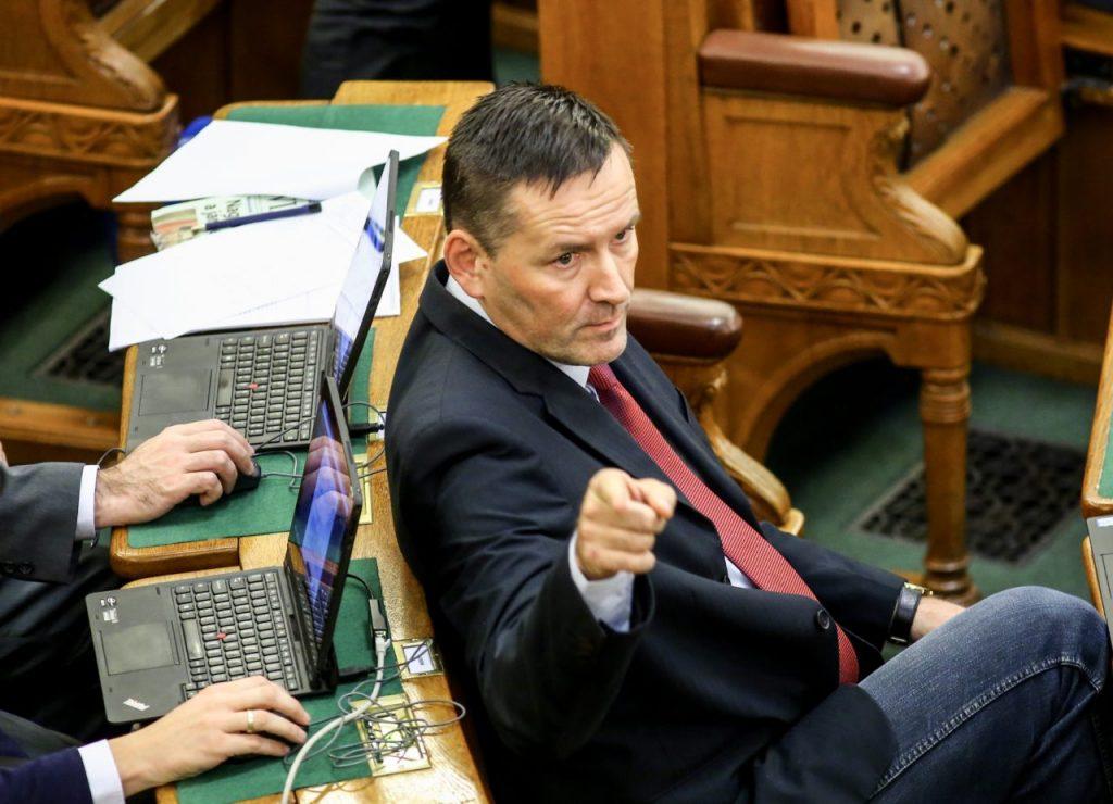 Three Lawmakers Quit Jobbik post's picture