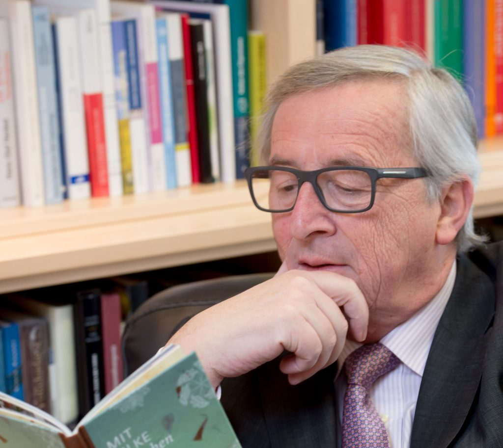 Socialist MEP Sends Juncker History Book after Romania Remark post's picture