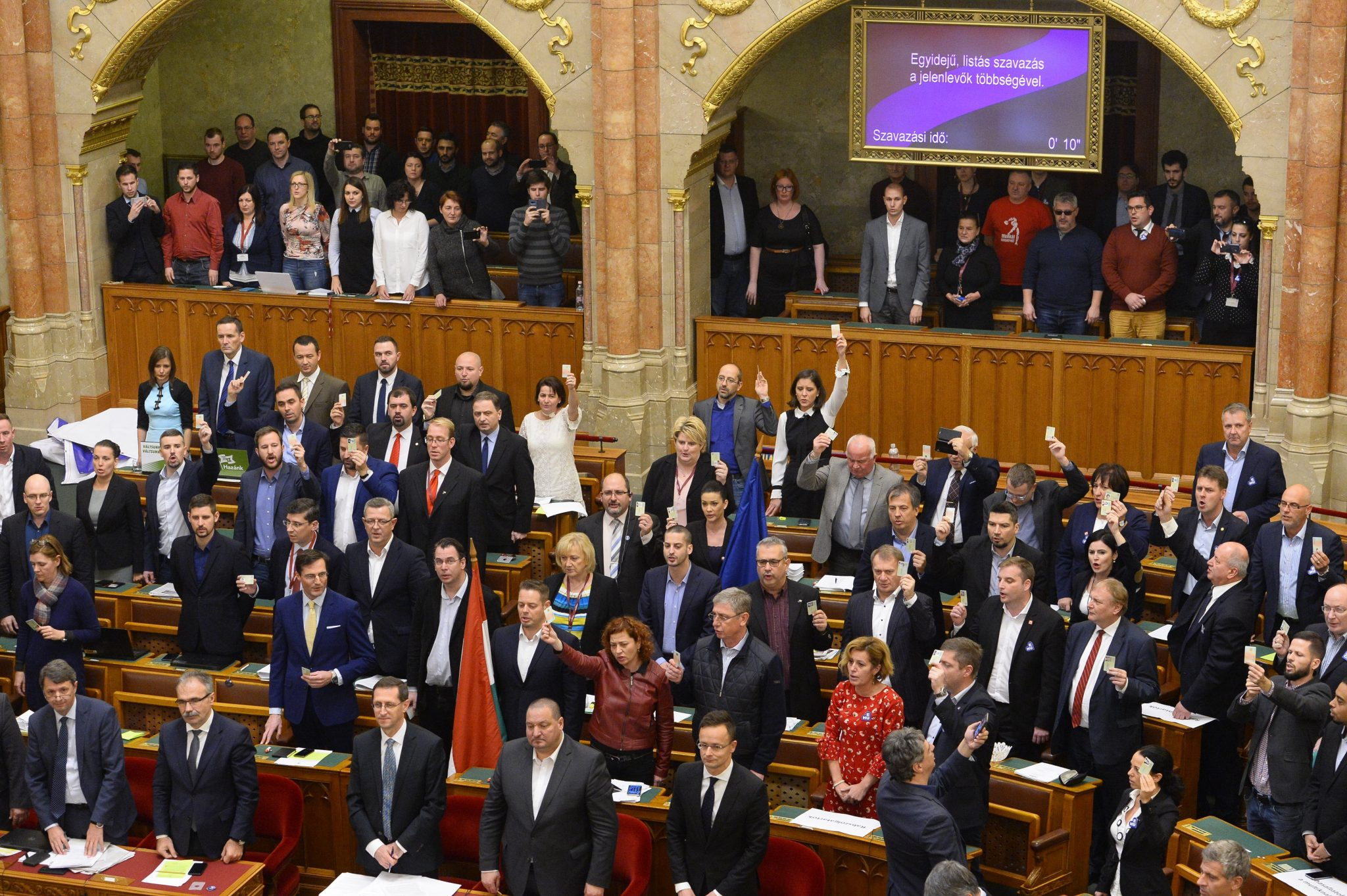 Orbán Hails New Labour Code, Opposition Considers Vote Invalid post's picture