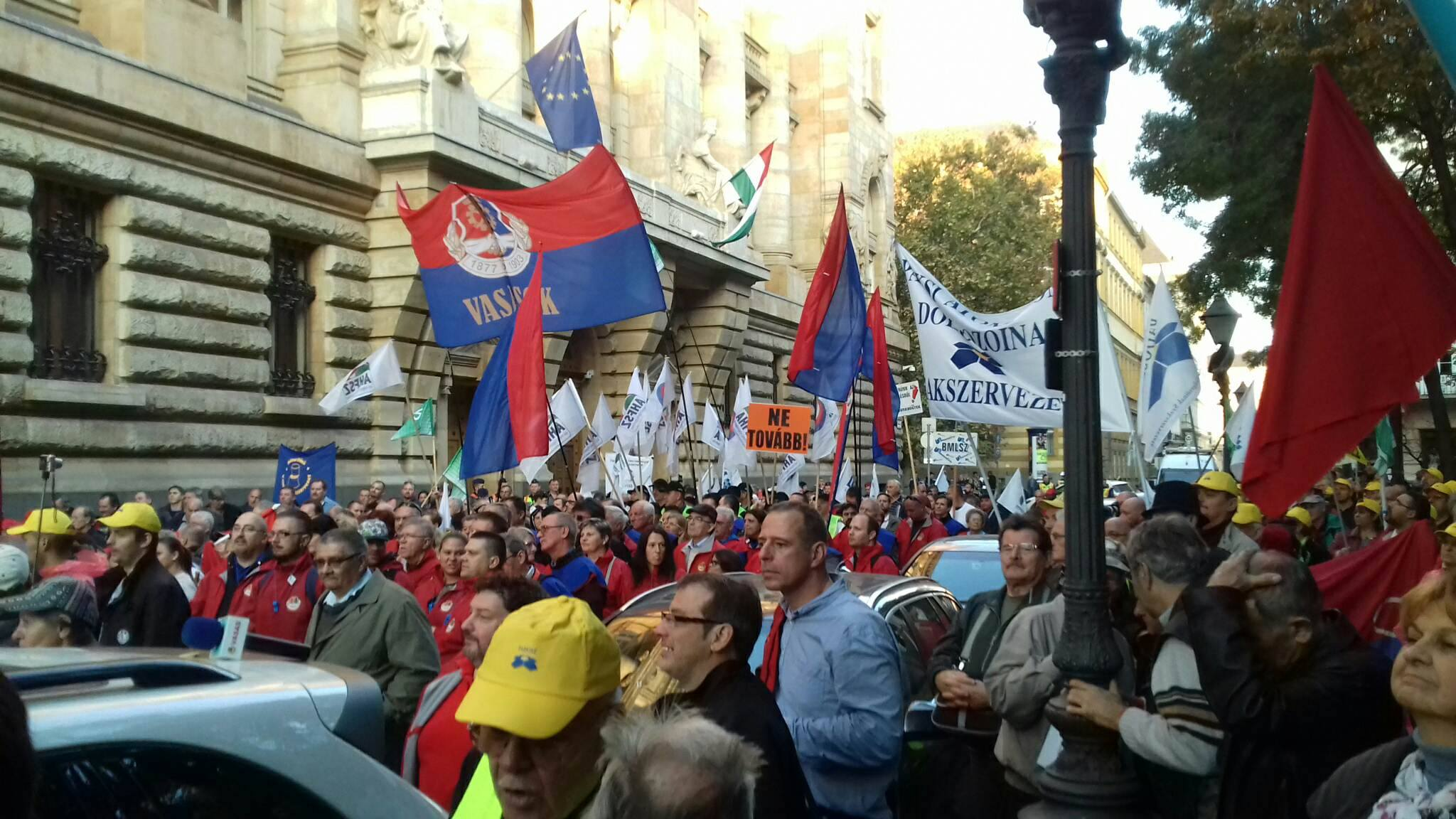 Demonstrations Near Amid Confusing Statements on Employment Bill post's picture
