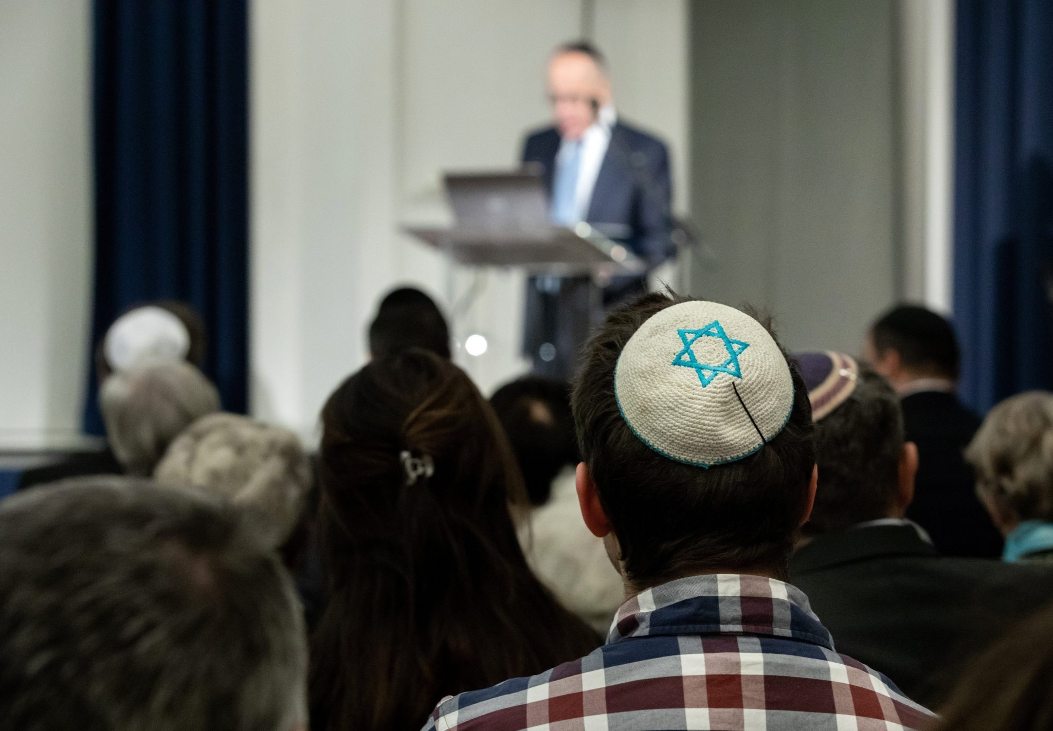 Jewish 'Security Service' to Fight Anti-Semitism in Budapest's 'Party District' post's picture