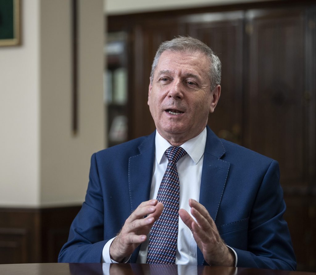Defence Minister: Hungary Takes Its Defence Budget Obligations Seriously post's picture