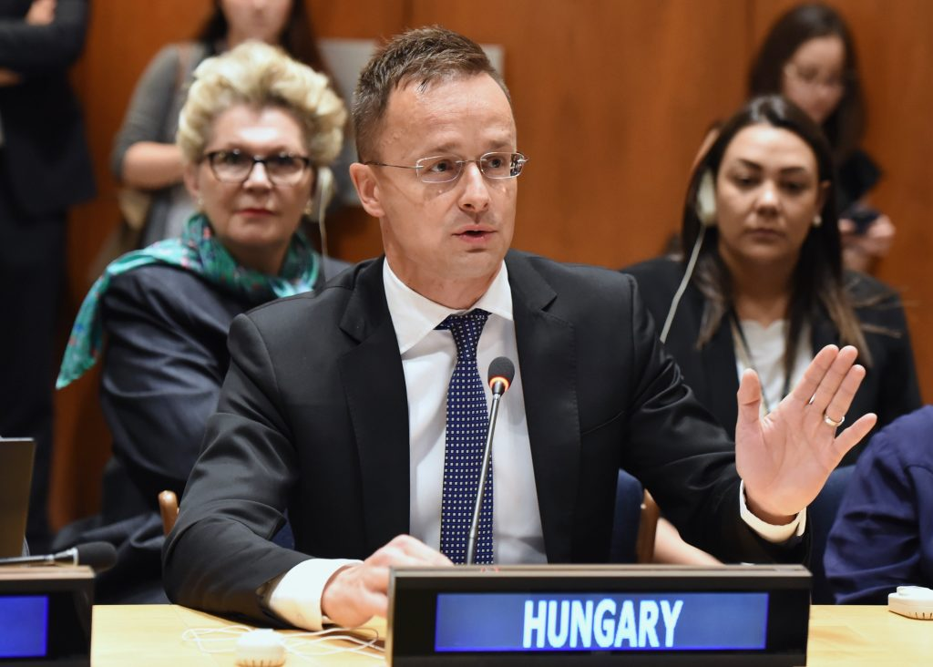 Szijjártó : Brussels Must Be Prevented from Implementing Un Migration Compact post's picture