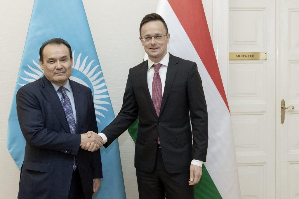 Szijjártó Holds Talks with Turkic Council Head post's picture