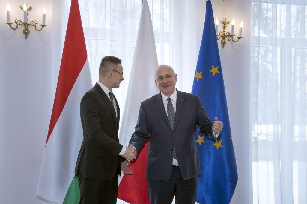 Govt: Hungary, Poland against UN Migration Compact 'Brought through Back Door' post's picture