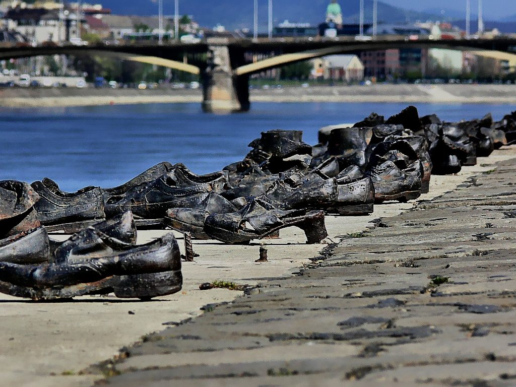 Hungary to Help Israelis Search Danube for Holocaust Victims' Remains post's picture