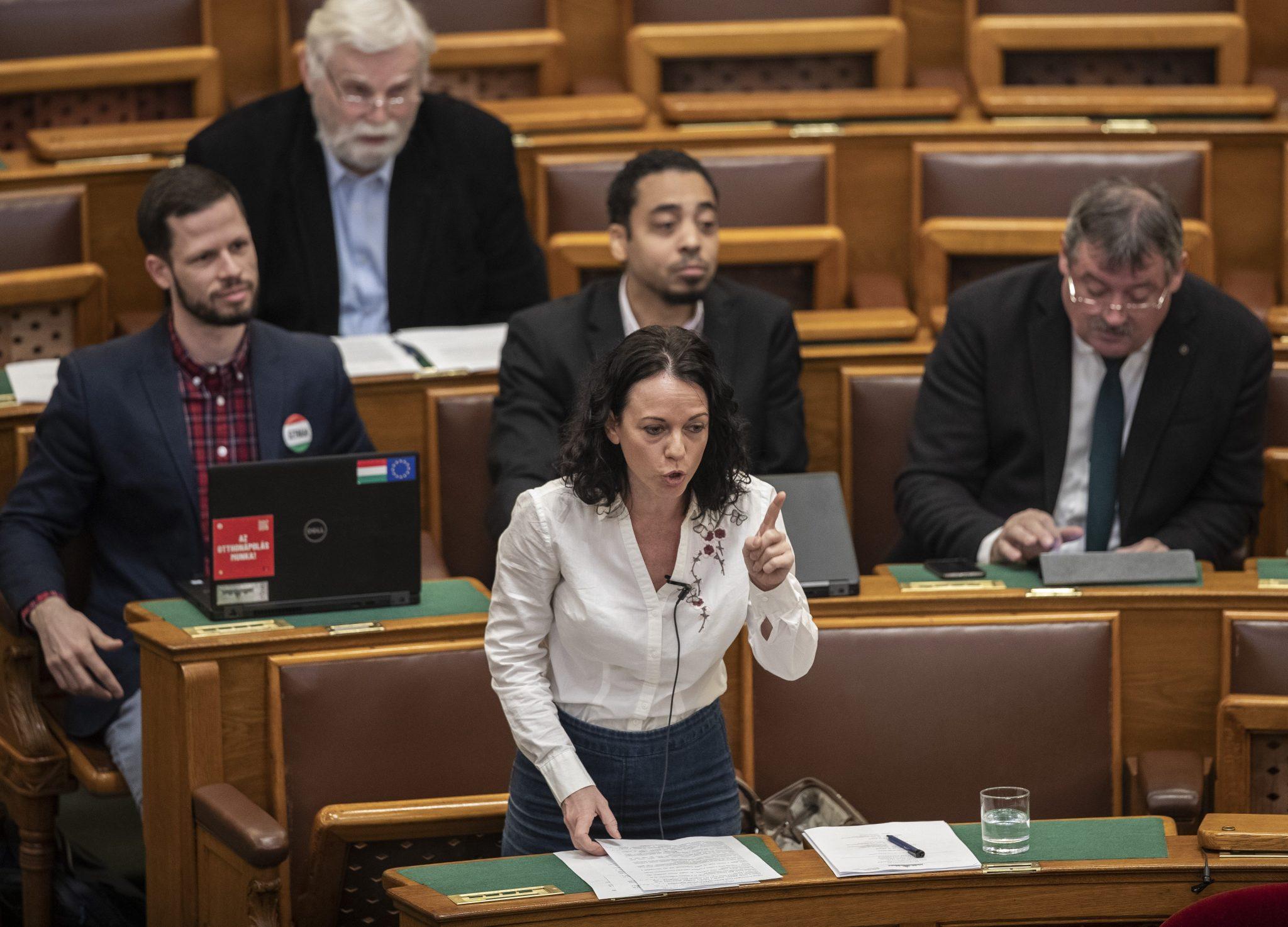Párbeszéd: 2020 Budget 'Scam' post's picture