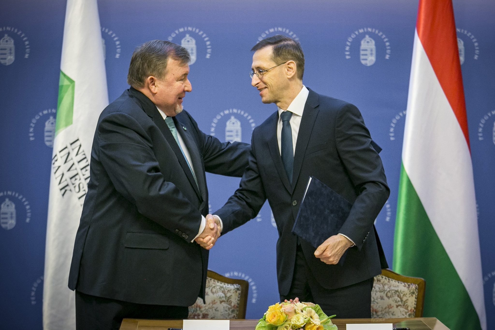 Agreement on IIB Budapest Headquarters Signed post's picture