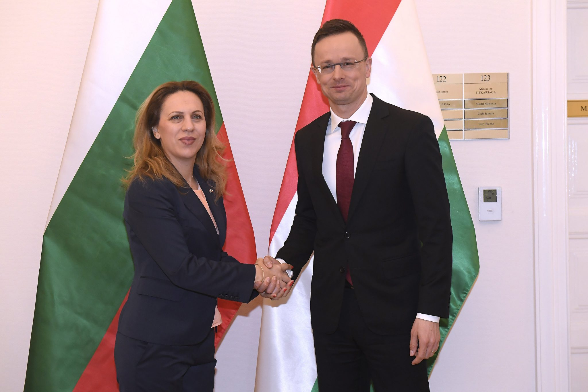Foreign Minister: Family Support Solution to Demographic Challenges, Not Migration post's picture
