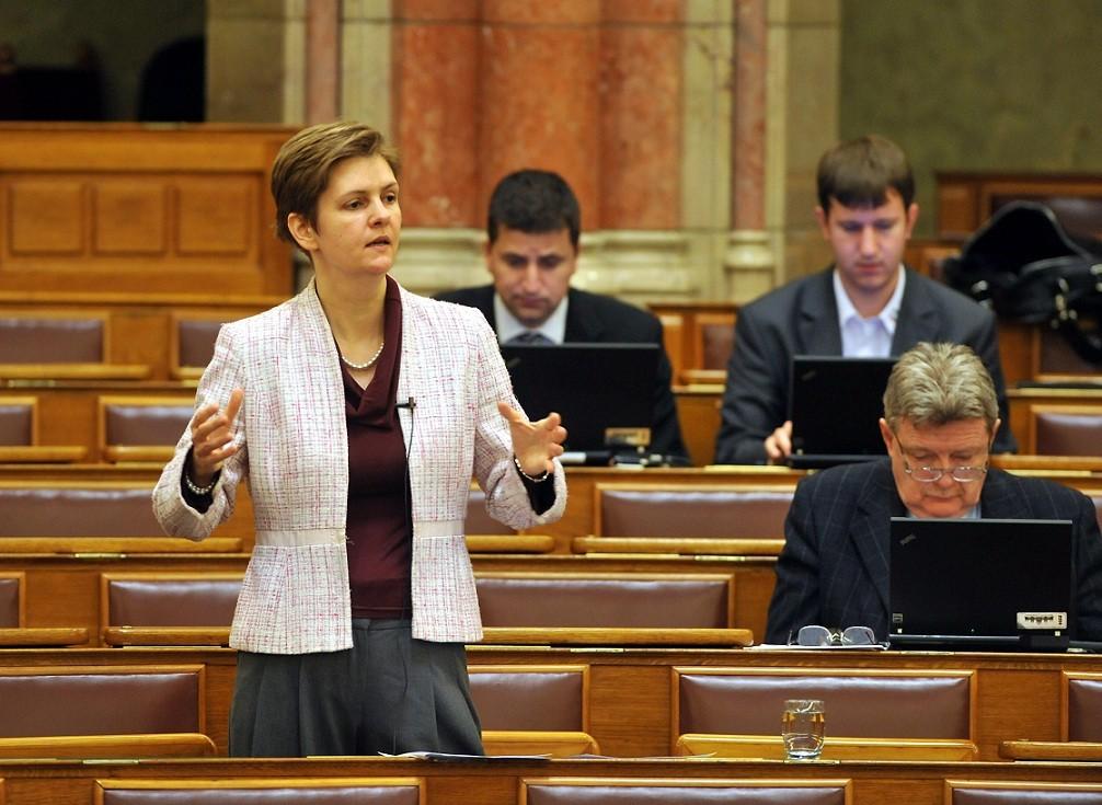 Former Jobbik MP Hegedűs Returns Parliamentary Mandate post's picture