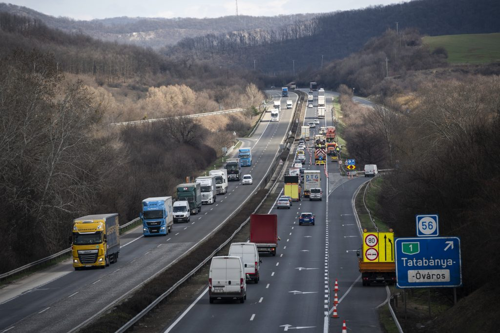 Emergency Lanes Might Open on M7 to Prevent Extreme Traffic Jams post's picture