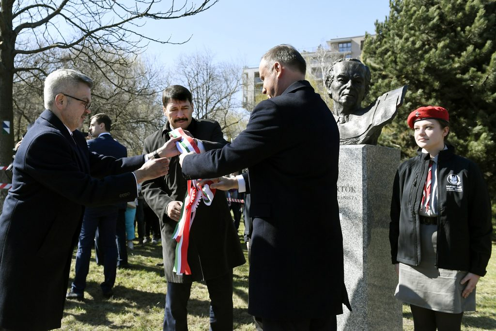 President Áder Inaugurates Bust of Composer-Pianist Bartók in Poland post's picture