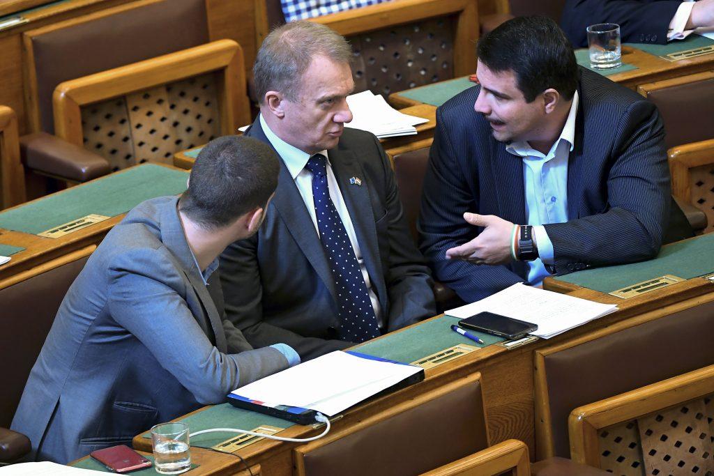 Public Prosecutor Proposes Suspending Immunity of DK's László Varju post's picture