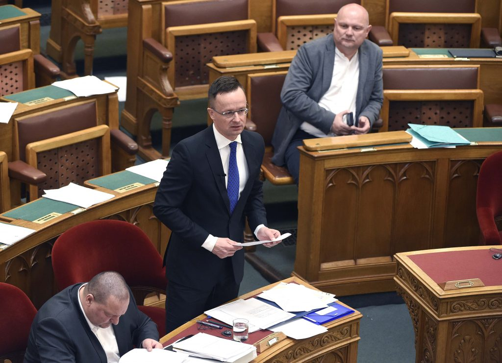 Foreign Minister: Hungary Not to Give Up Ethnic Communities 'at any Pressure' post's picture