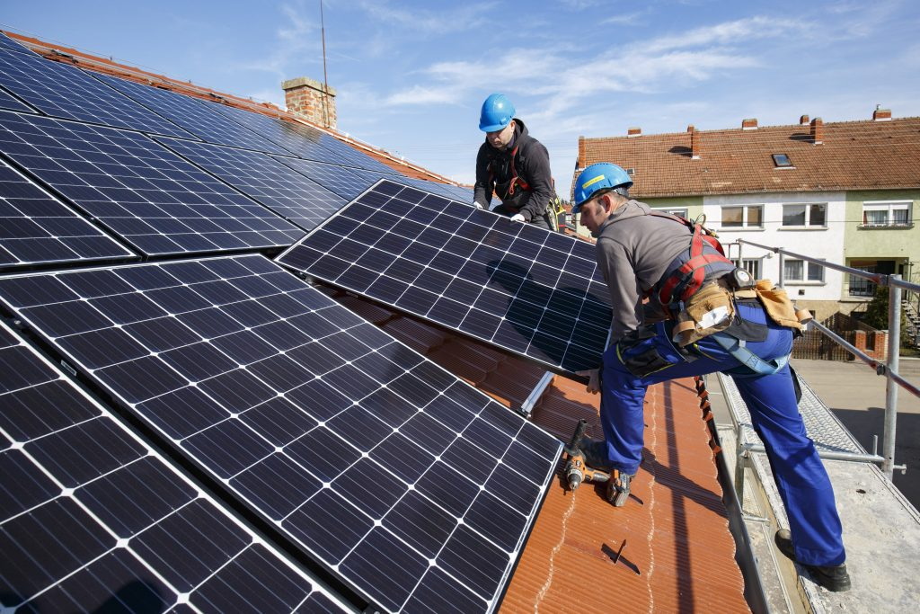 Hungarians Keen on Installing Solar Panels, Survey Found post's picture