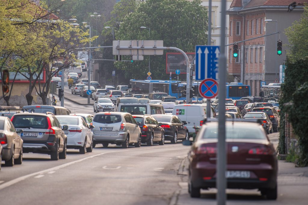 Gov't and Mayor Karácsony Clash as Traffic Jams Return to Budapest post's picture