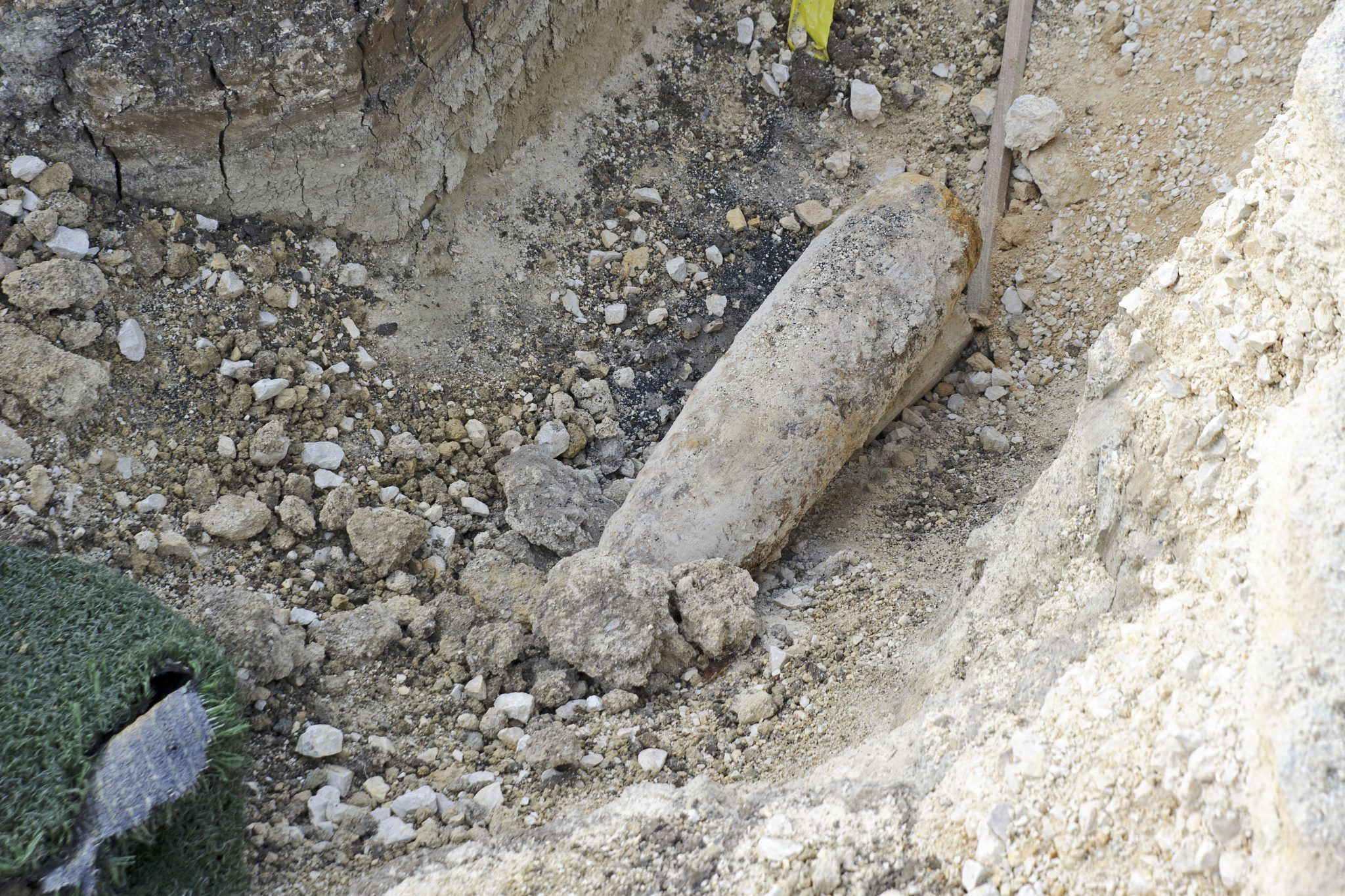 WW2 Bombs Defused in Evacuated Area of Buda post's picture
