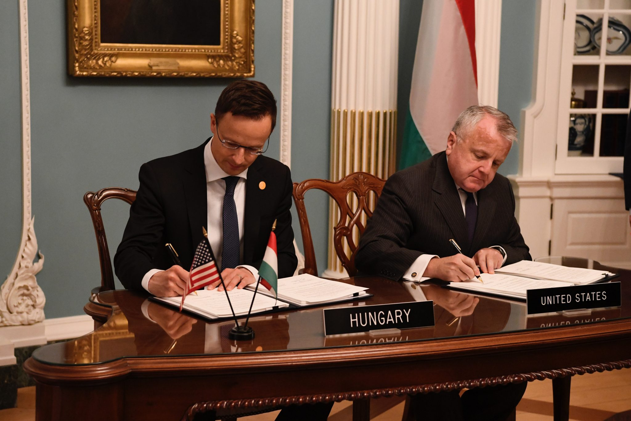 Hungary, US Sign Defence Cooperation Pact post's picture