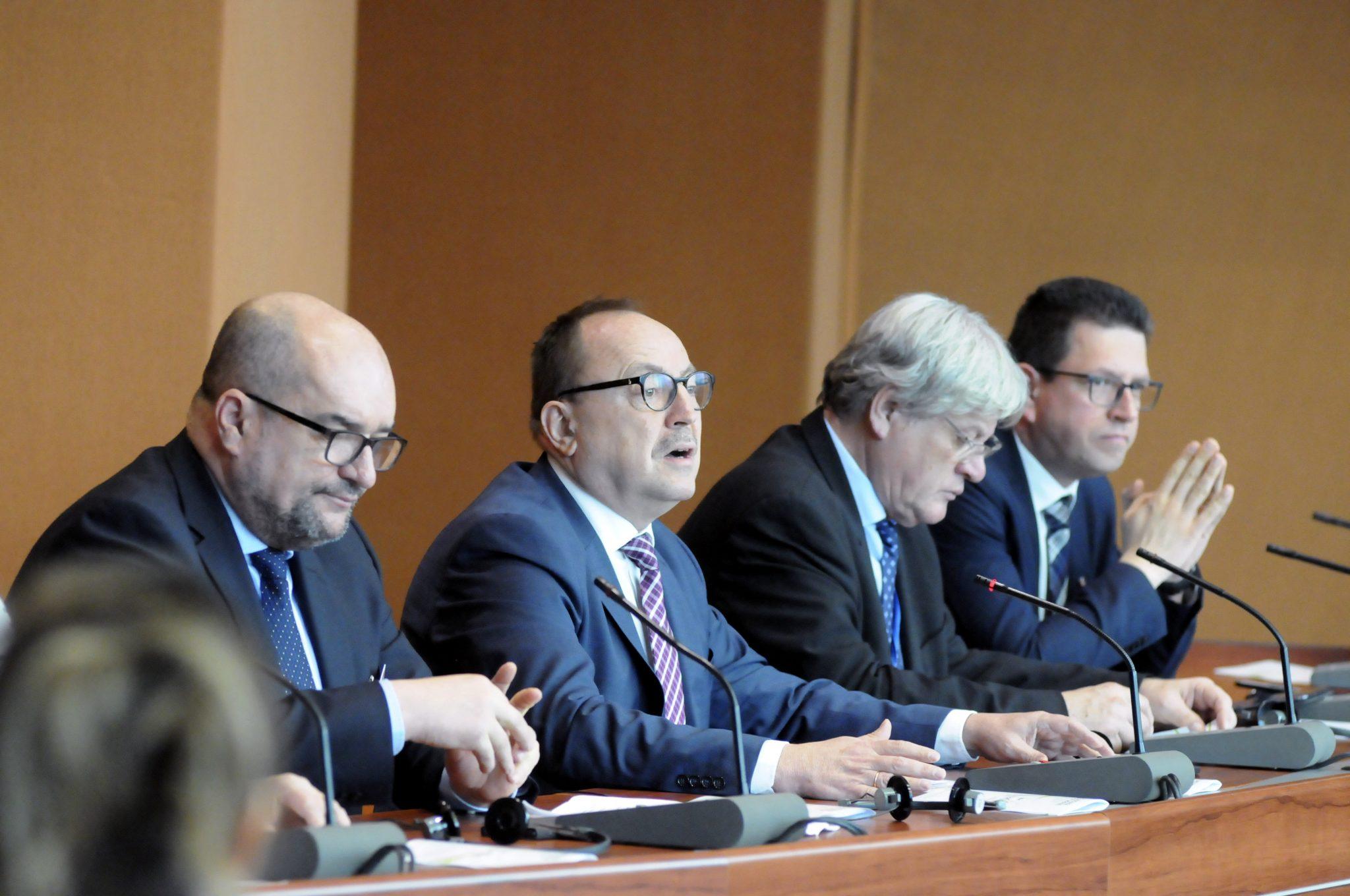 Fidesz: Ukraine Should Suspend Language Bill Debate post's picture