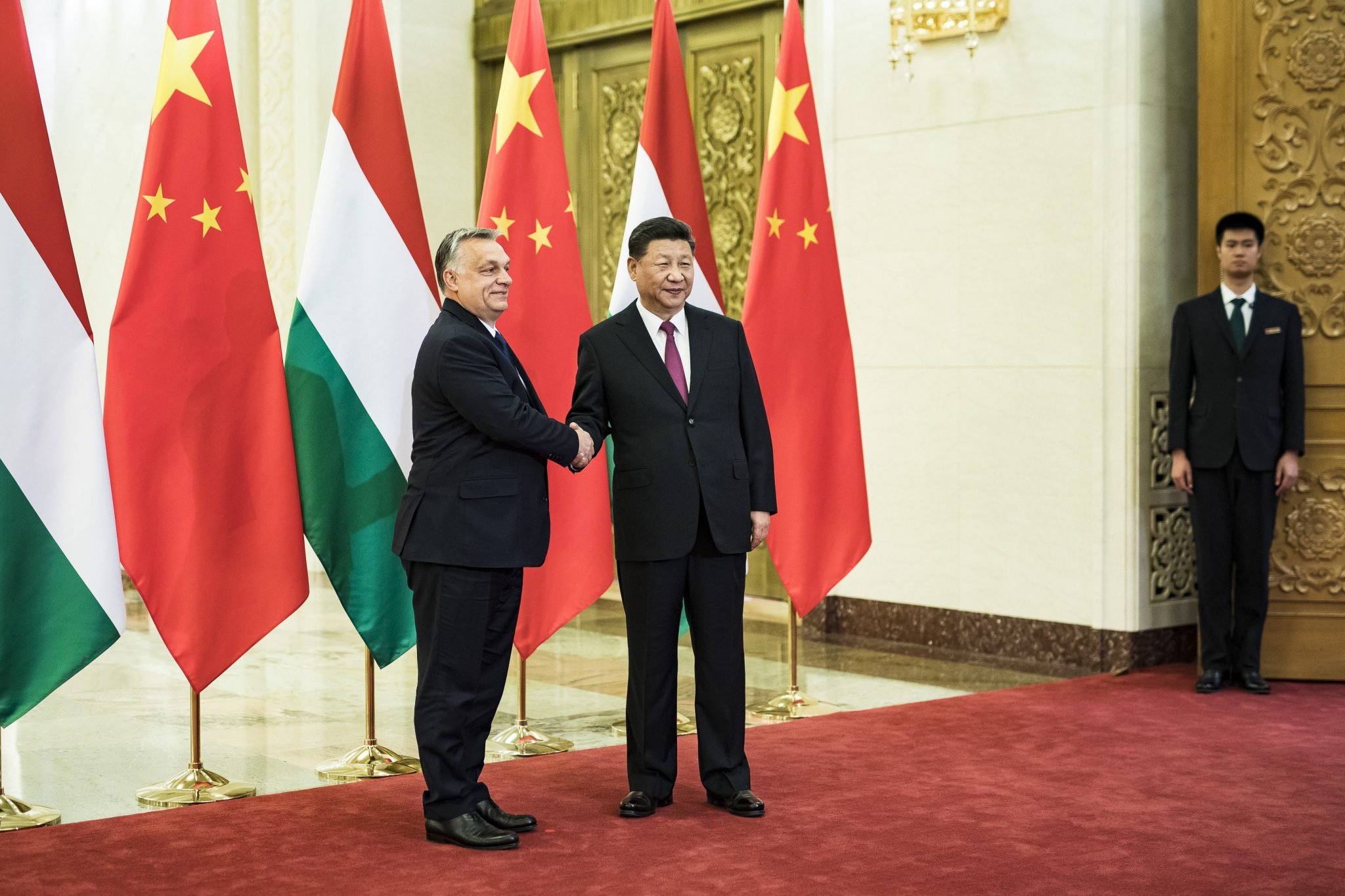 Shaking Hands with the Dragon: Hungary-China Relations