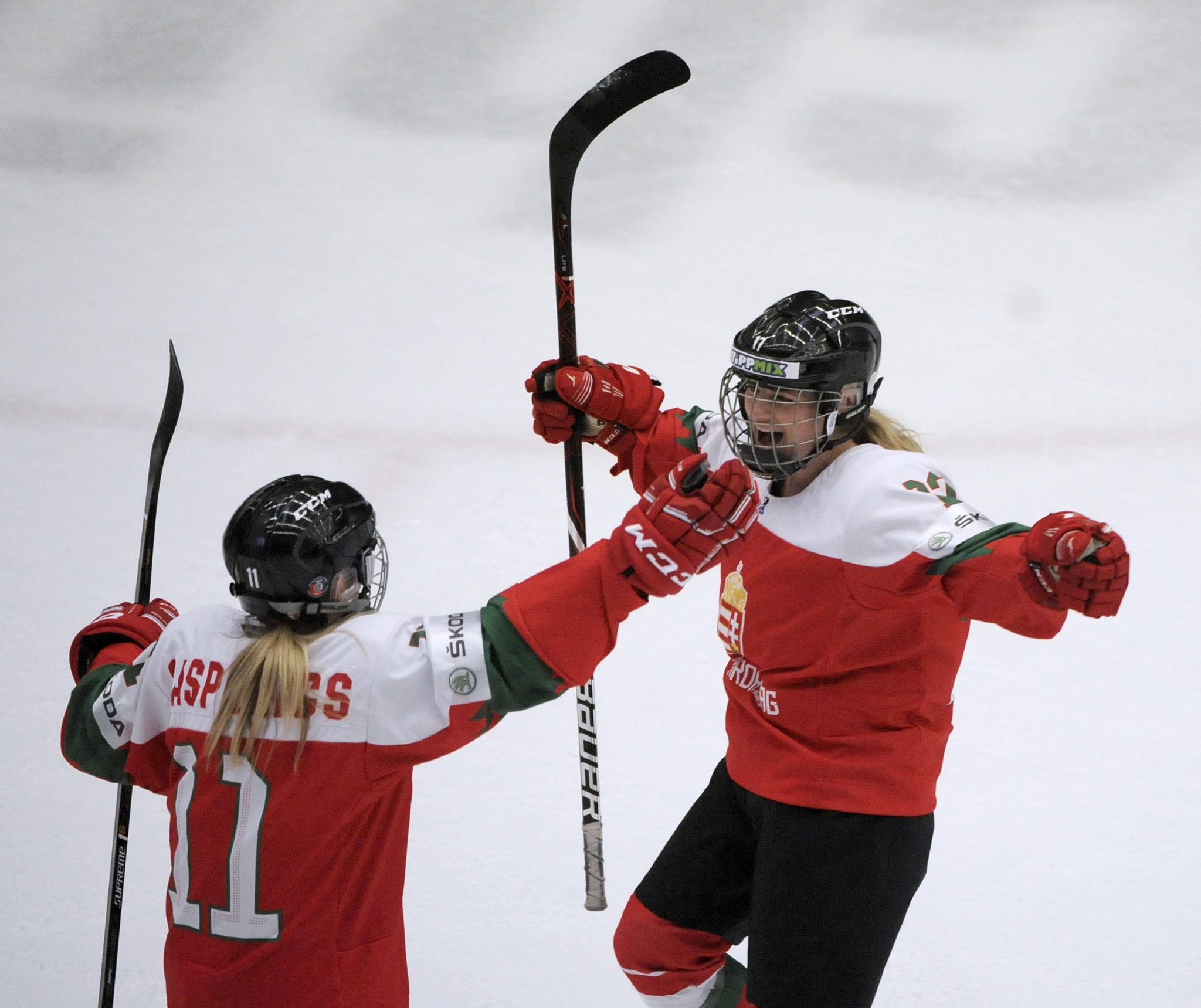 Hungarian Women's Ice Hockey Team Earns Historic Promotion to Group A post's picture