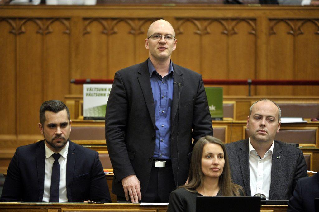 Coronavirus: Jobbik Wants 80 % Wage Subsidies for Workers post's picture