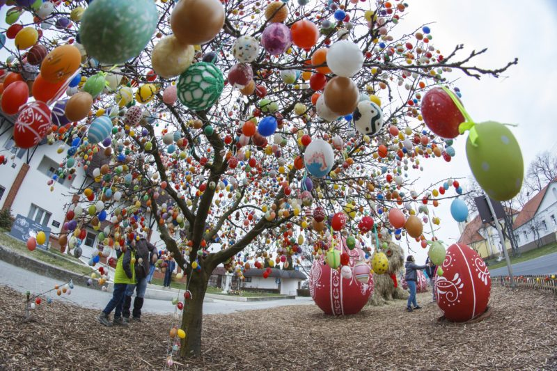 Hungarian Village Welcomes Easter with 9000 Colorful Eggs