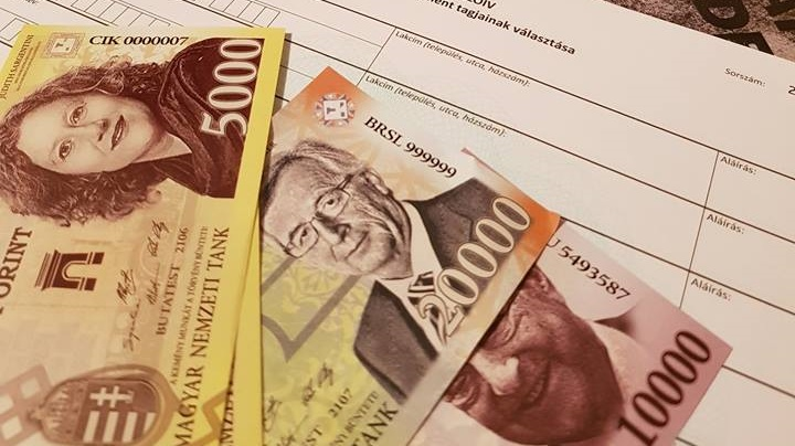 Hungarian Satirical Party Accused of 'Counterfeiting' Money post's picture