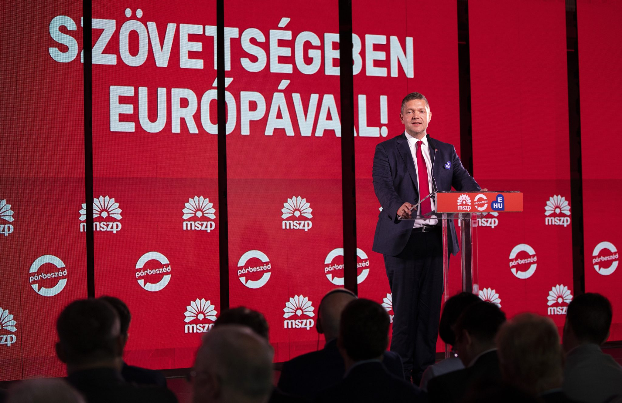 Socialists: Stopping Populists Who 'Betray Their Country' at Stake post's picture