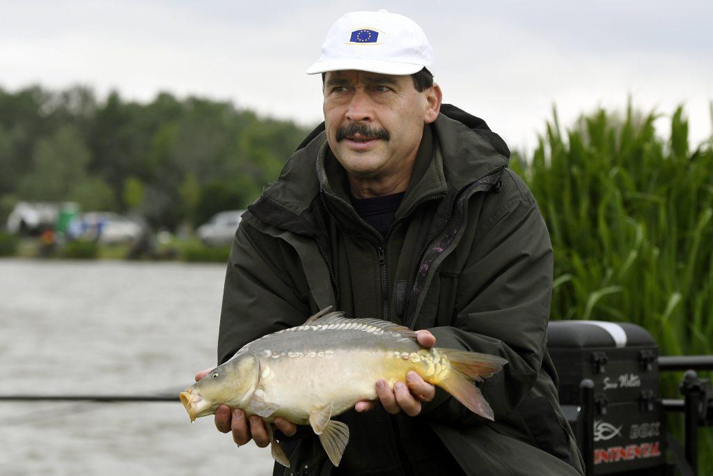 President Áder Welcomes Fishing Development in Lake Balaton Area post's picture