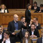 Jobbik Calls for Government Action to Strengthen Forint