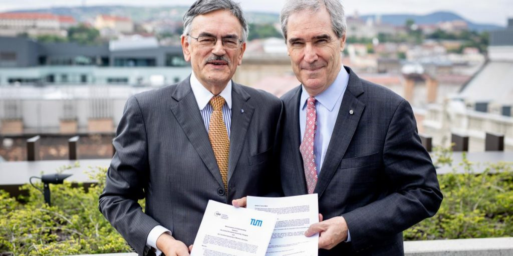 CEU Signs Cooperation Pact with German University TUM post's picture
