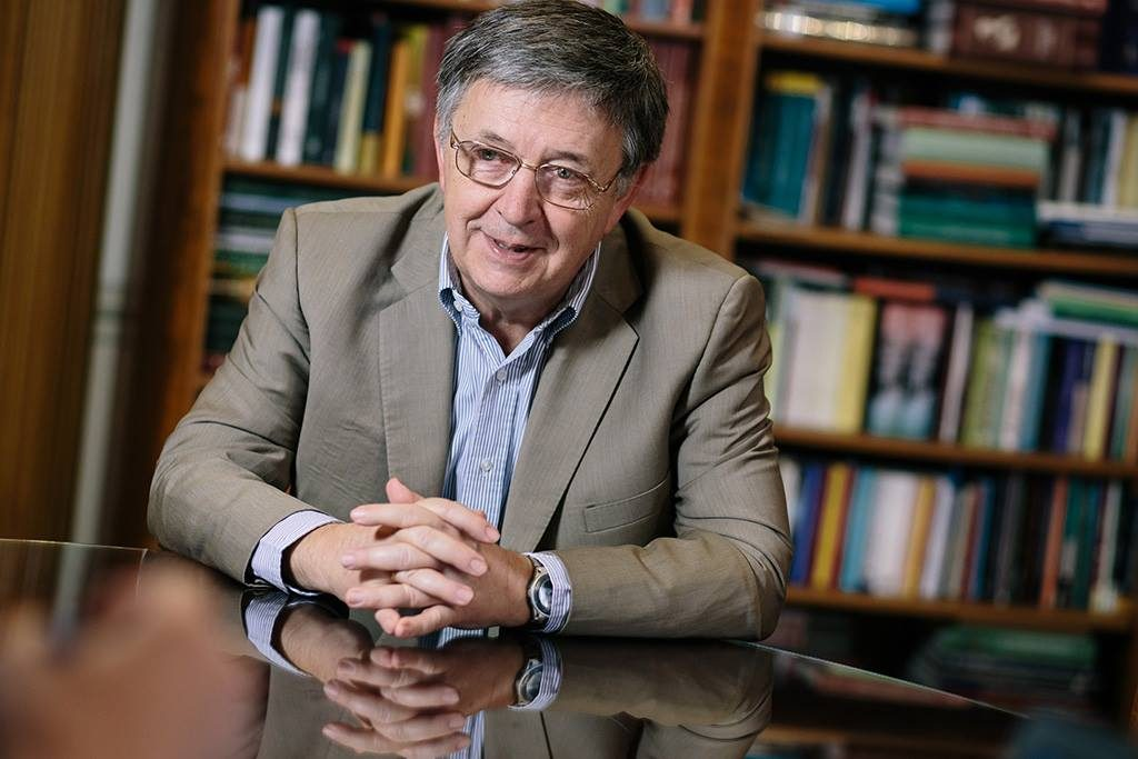 Lovász: Govt Proposals Threaten Academic Freedom post's picture