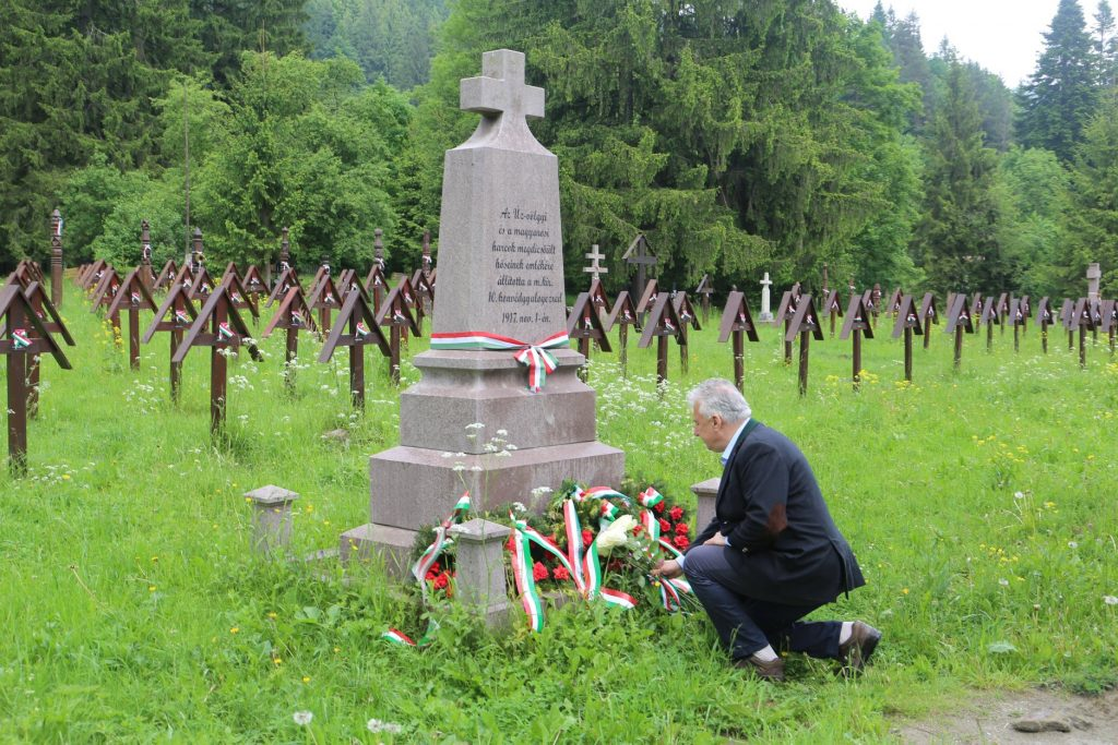 Semjén in Úzvölgye Military Cemetery: 'An Adult Nation Cannot Be Defamatory of The Dead' post's picture