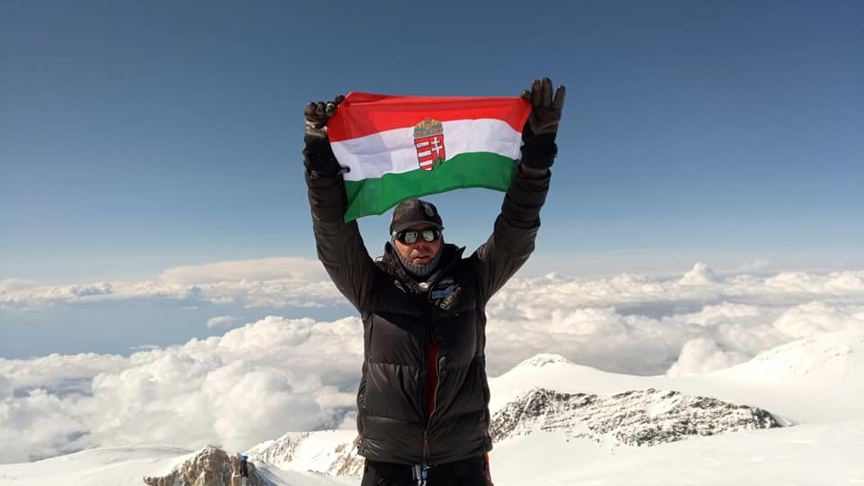 Hungarian Lawyer Climbs Highest Peaks on All Continents post's picture