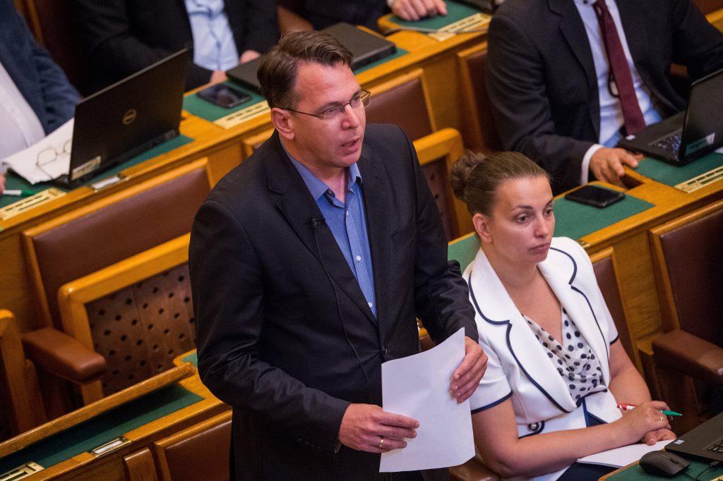 Fidesz Demands Jobbik's Eger Mayoral Candidate Mirkóczki Step Down due to Auschwitz Comment post's picture