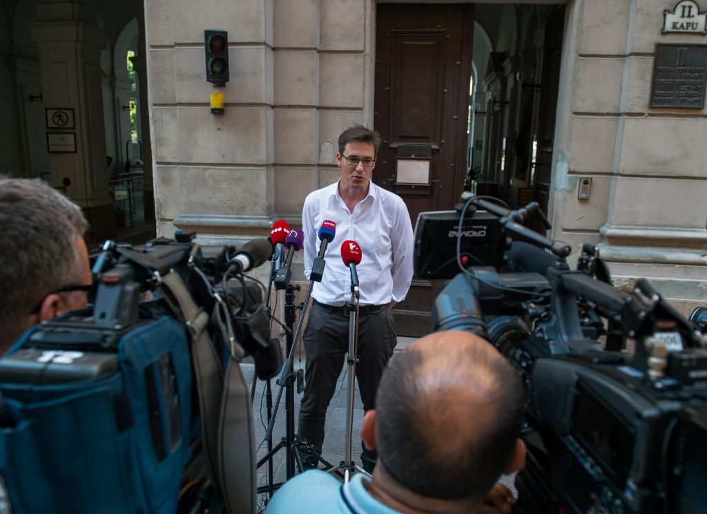 Karácsony Calls for Barring Local Politicians from Renting Municipality-owned Housing post's picture