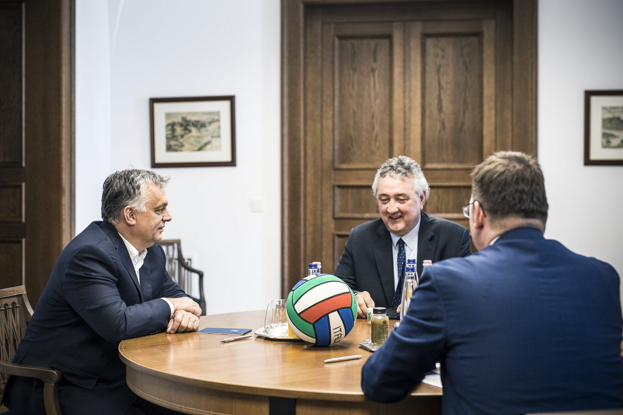 Orbán Discusses 2020 Aquatics Championships with LEN Head post's picture