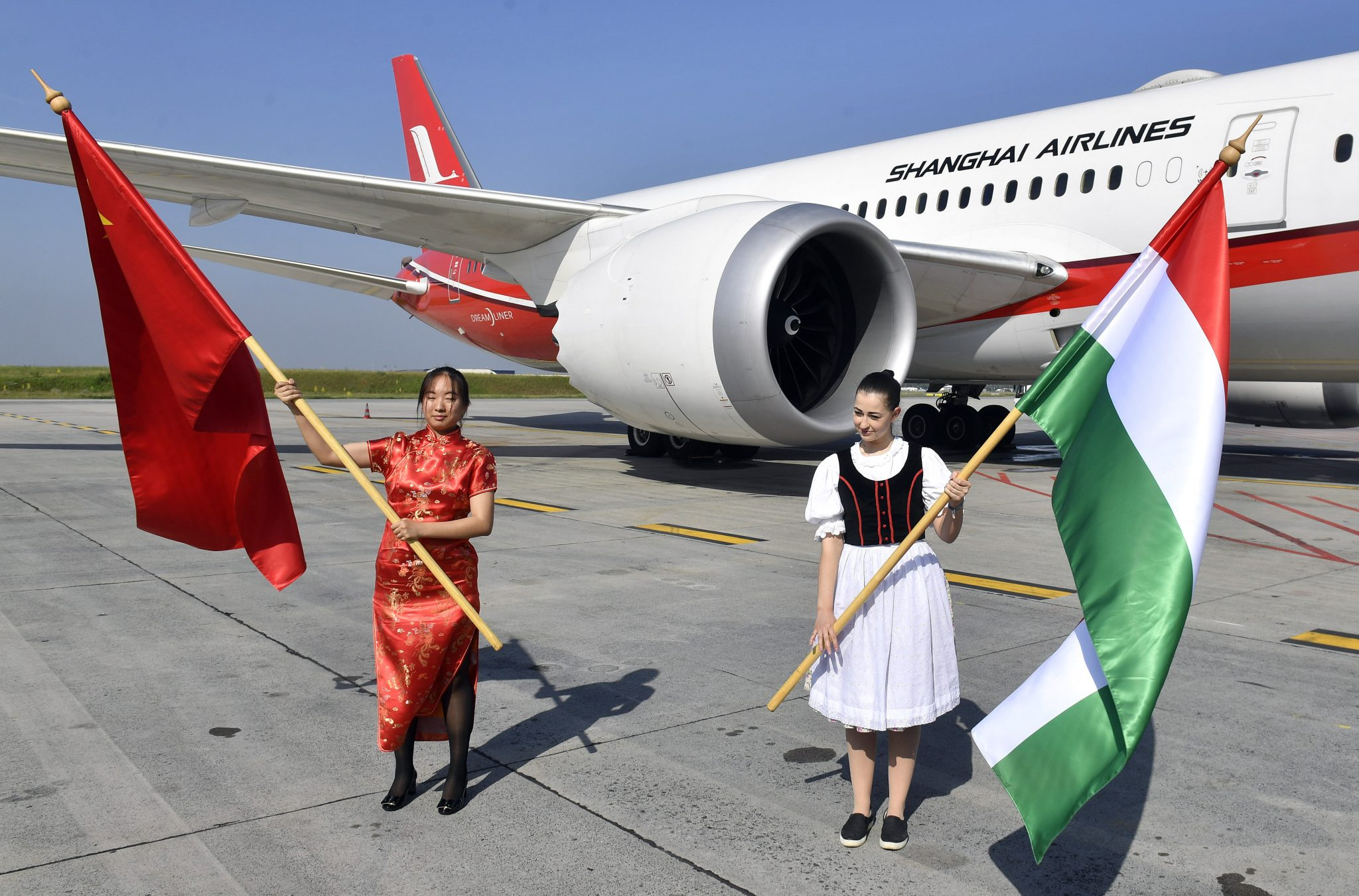First Direct Flight from Shanghai Lands in Budapest post's picture