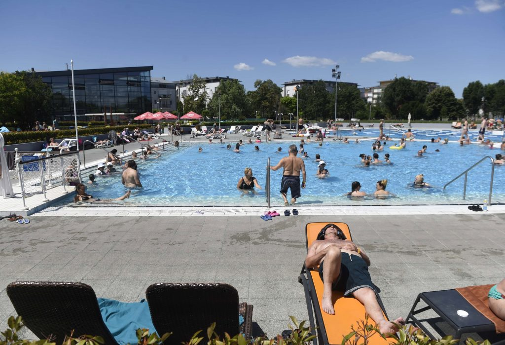 Budapest Baths and Beaches to Open Next Weekend post's picture