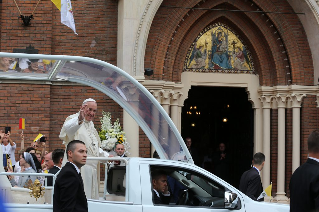 TEK Chief: Several Thousand Police Officers to Provide Security to Pope in Budapest post's picture