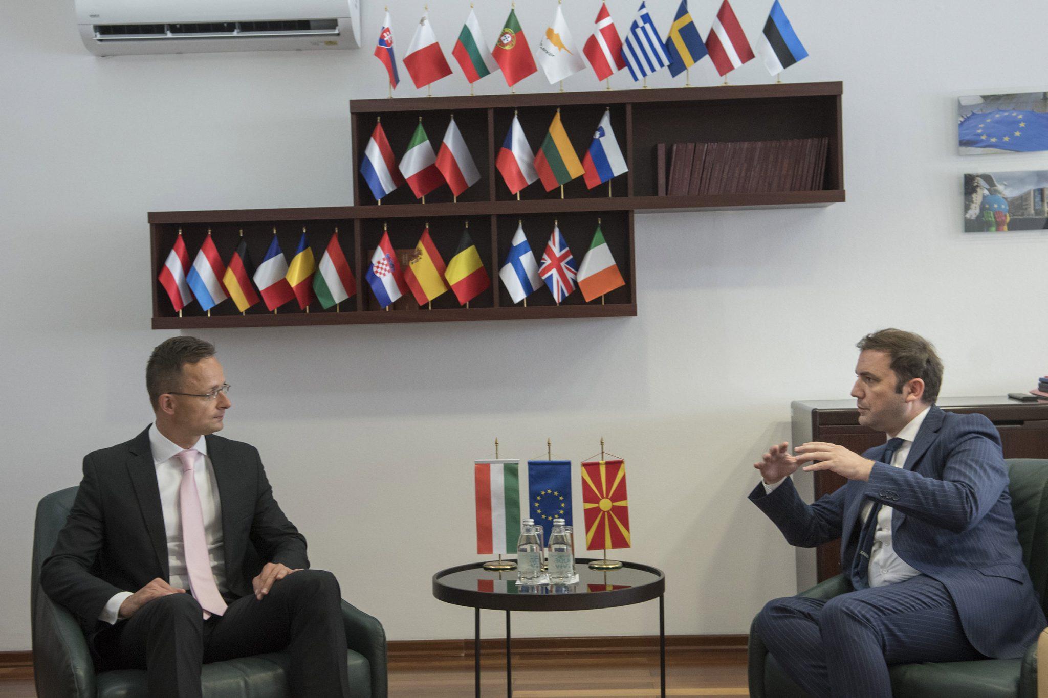 Szijjártó: Intérêt européen de l'intégration européenne de la Macédoine du Nord