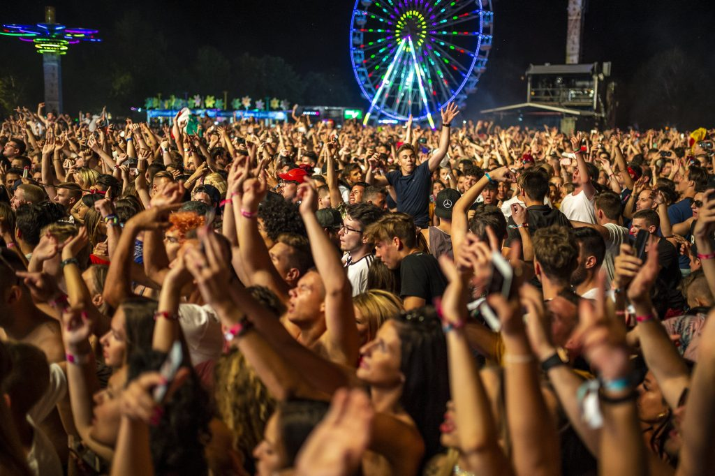 Parlt Passes Bill on Requiring Festival-goers to Hand over ID Data post's picture