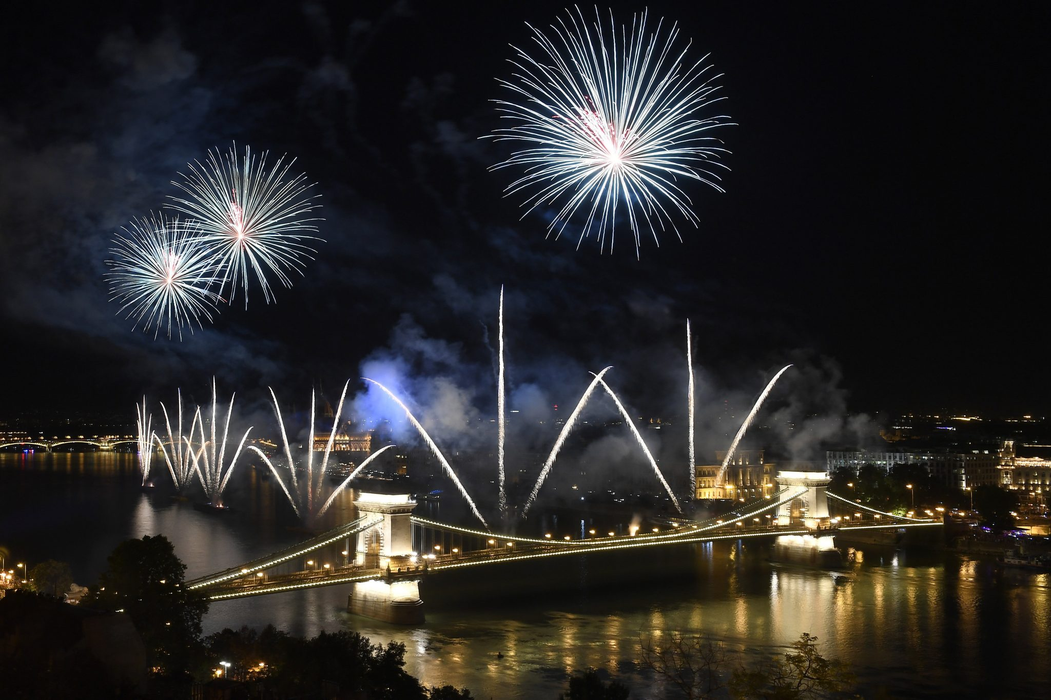 Hungary Today Wishes a Very Happy and Prosperous New Year! post's picture