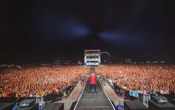 Sziget Started with Ed Sheeran Concert, Huge Crowd and Lines post's picture