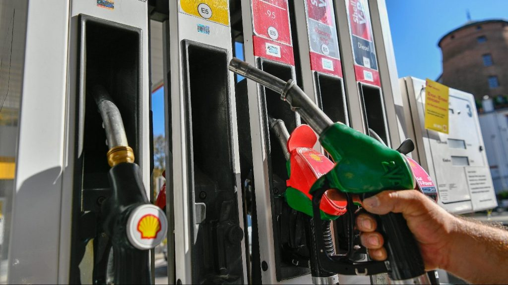 Nightmare at the Petrol Station: Shell Mixes up Fuels post's picture