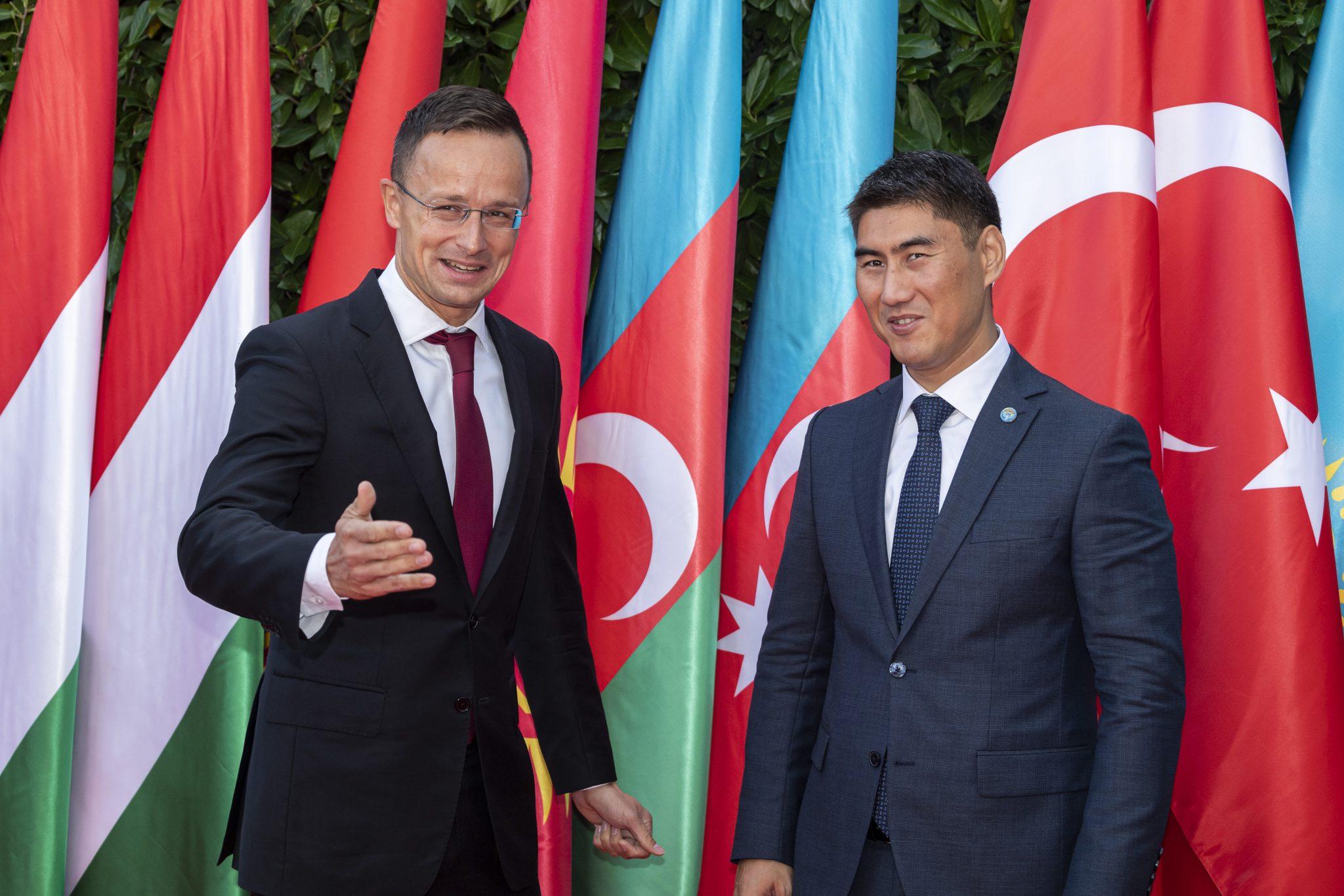 Szijjártó: Cooperation Between Hungary and Kyrgyzstan 'Increasingly Close' post's picture