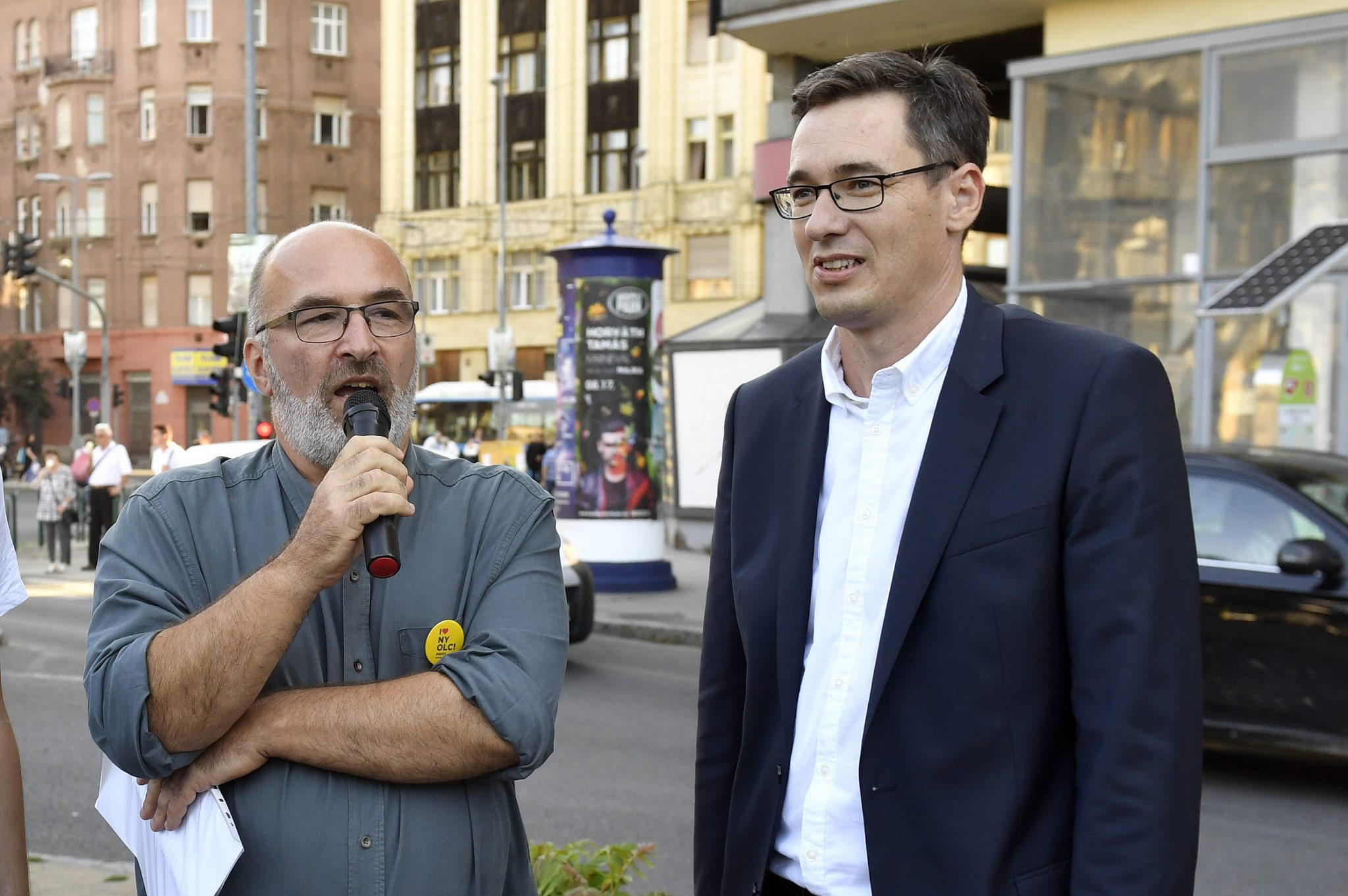 Police Search Campaign Center of Budapest District Opposition Mayoral Candidate post's picture